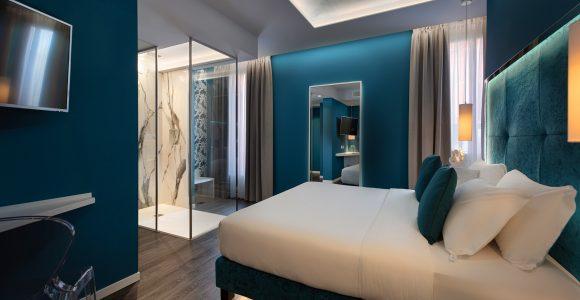 King deluxe double room